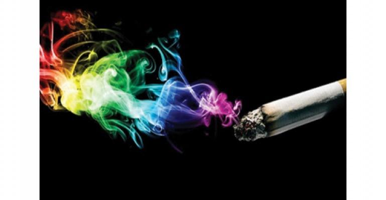 Günde bir paket sigara, katarakt riskini artırıyor