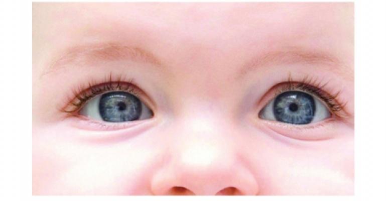 Bebeğinizin ilk göz muayenesini ilk aylarında yaptırın.