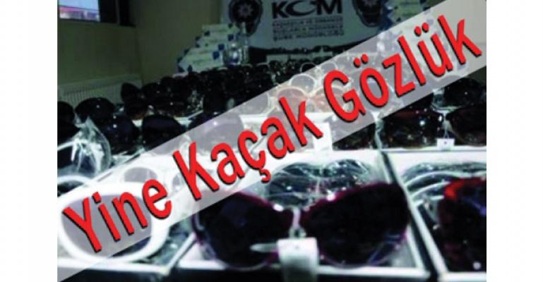 İzmir'de kaçak gözlük operasyonu