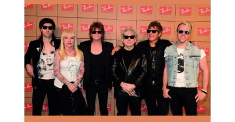 Yeni Koleksiyonunu Blondie grubu İle Tanıttı