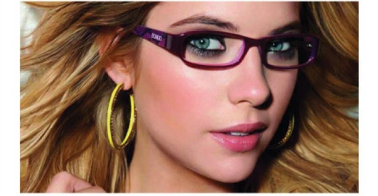 Gözlük Kullananlar Nasıl Makyaj Yapmalı ?