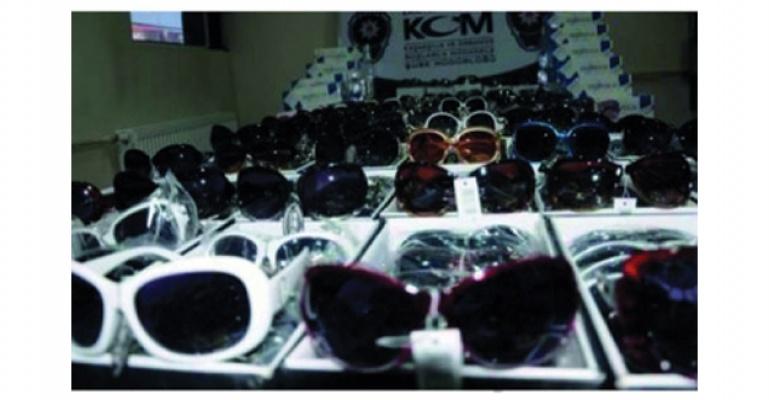 Samsun'da kaçak gözlük ele geçirildi.
