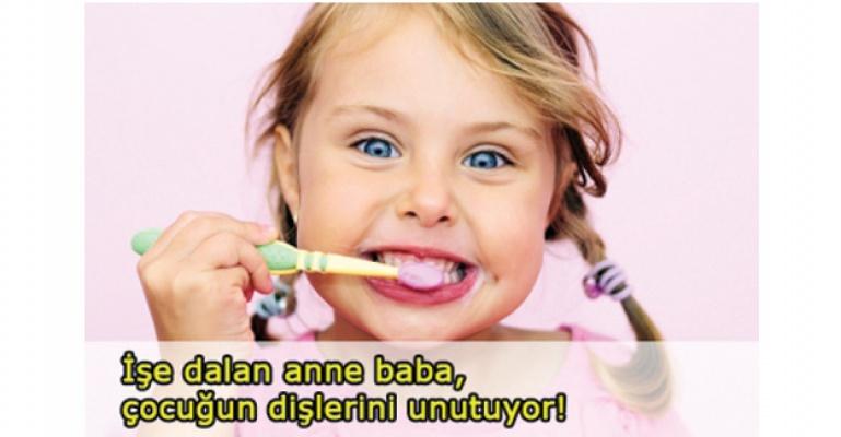 Okullarda diş fırçalama saati uygulaması olmalı!