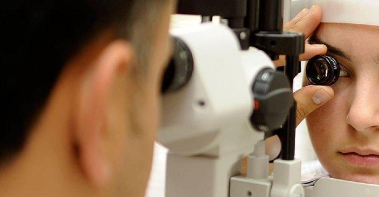Fotoğrafta Beyaz Çıkan Göz Bebeği Kanser Habercisi Olabilir