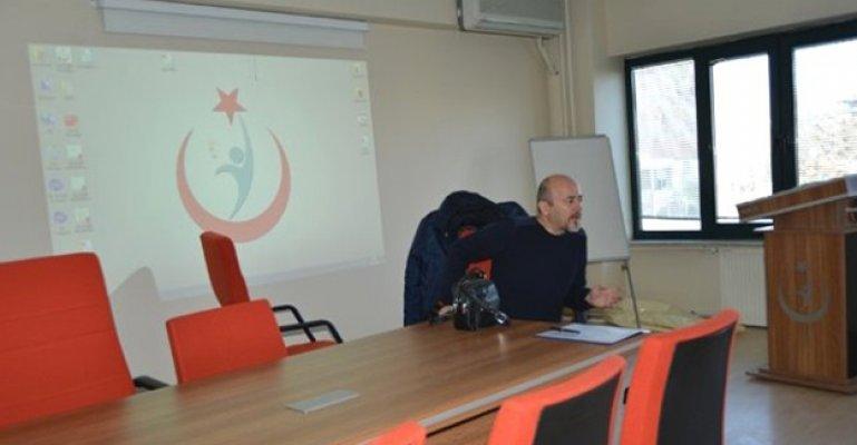 """Afyon'da Aile Hekimlerine """"Göz Muayenesi"""" Eğitimi Verildi"""