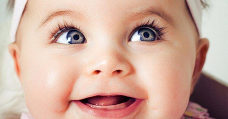 Bebeğinizin Gözleri İri Diye Sevinmeyin!