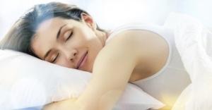 Özel Olarak Tasarlanmış Lensler Gözleri Uykuda Tedavi Ediyor!