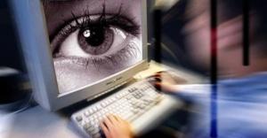 Aşırı bilgisayar kullanımı 'kuru göz' sendromuna neden oluyor!!!