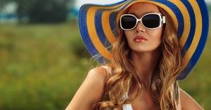 Şapka ve Gözlük Kullanmak Göz Nezlesini Önler