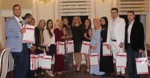 Medipol Üniversitesi Optisyenlik Bölümü Öğrencileri Mezuniyetini Kutladı